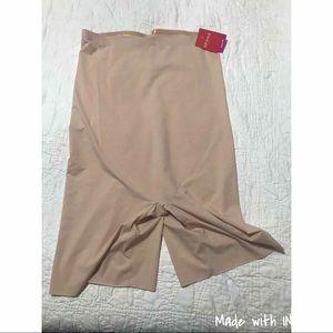 Spanx high waisted mid-thigh short